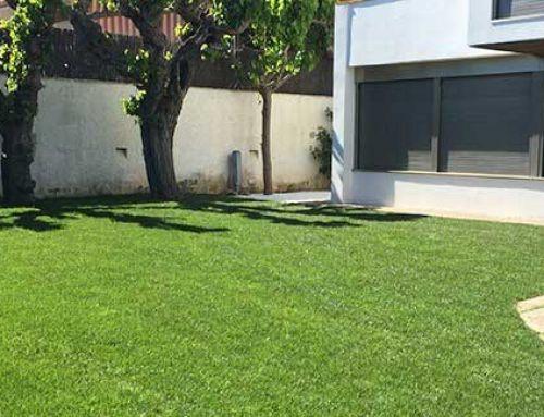 Instal·lació de Reg Automàtic i plantació de gespa amb tepes