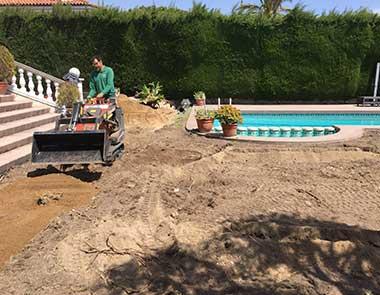 reforma de jardín alisar suelo